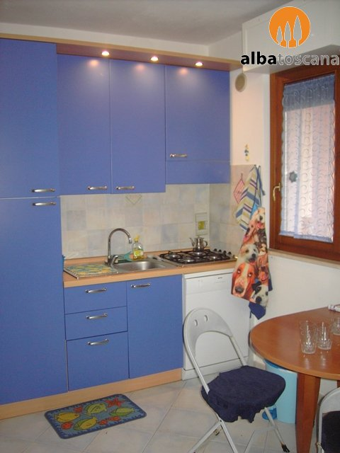 Apartment (sleeps 3/5) with terrace and shared pool