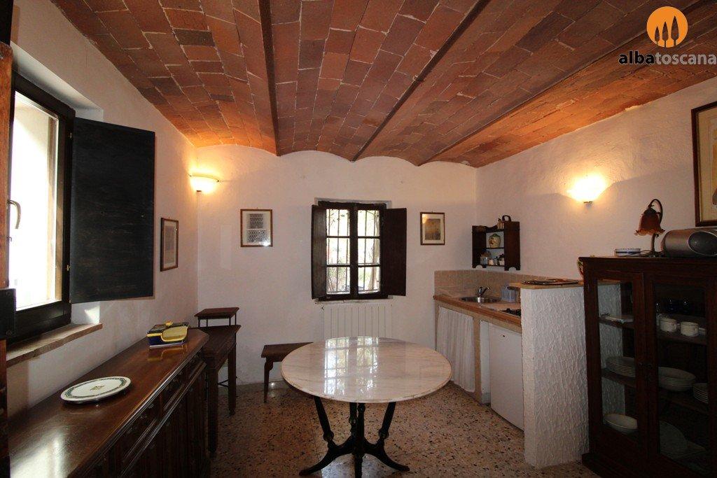 Alba toscana immobiliare for Piani casa vacanza con seminterrato sciopero