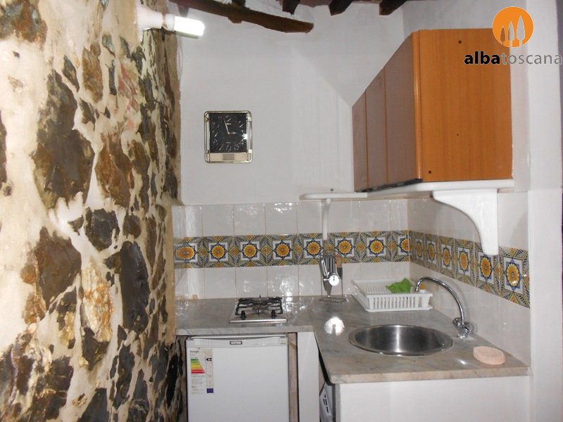 Spacious studio apartment (sleeps 2) in the town centre