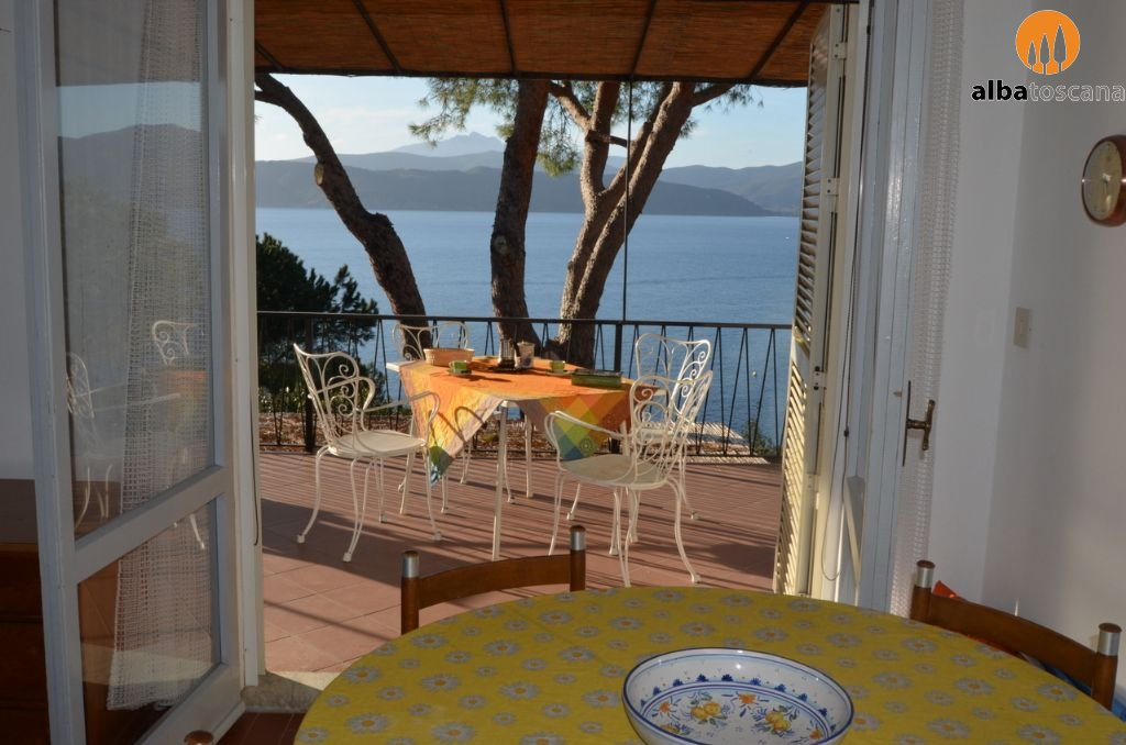 Apartment (sleeps 5) on the first floor of a villa with sea view on ...