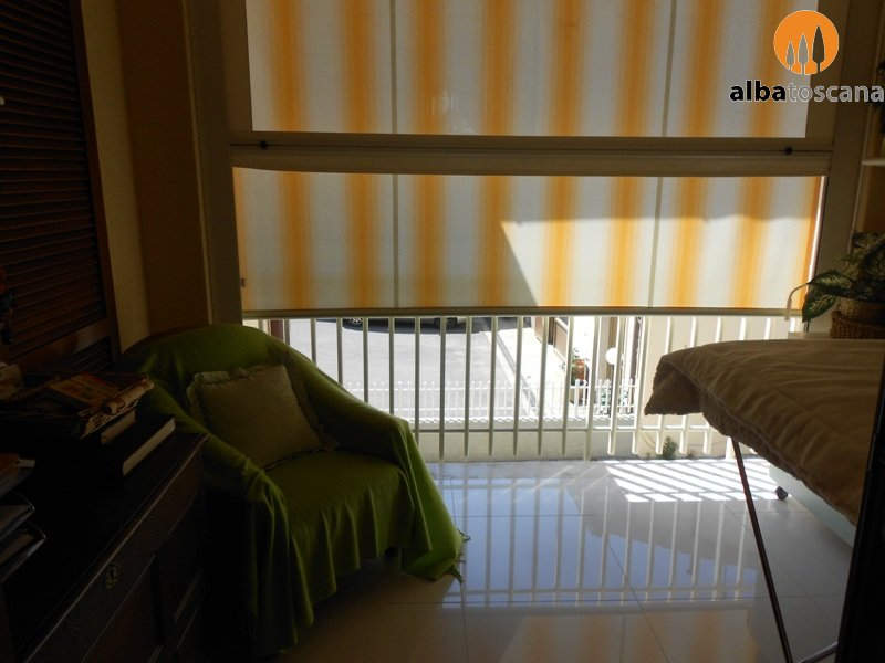 Spacious apartment with garage at 1 km from the sea