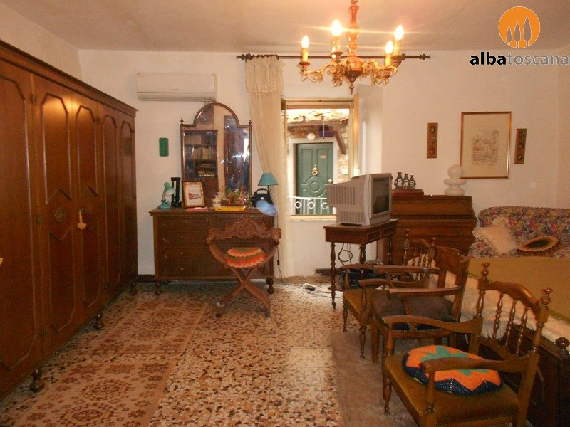 Apartment with terrace in the historic centre for sale