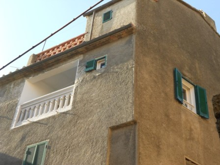 NEW - Apartment with terrace in the historic centre of Giuncarico for sale
