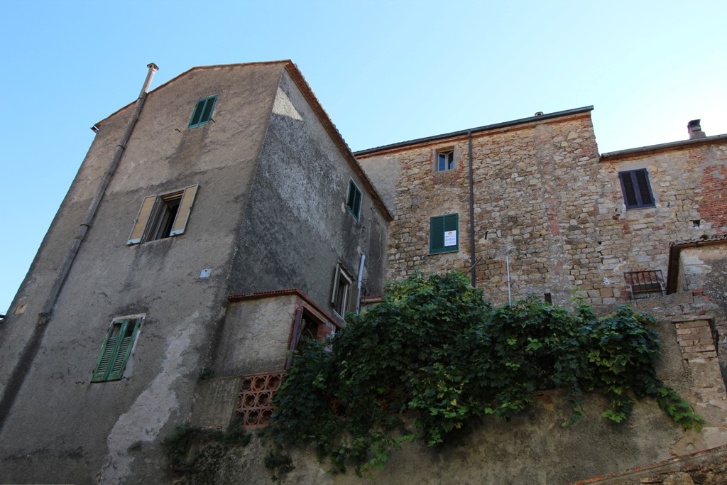 Apartment with 2 bedrooms in the historical centre for sale
