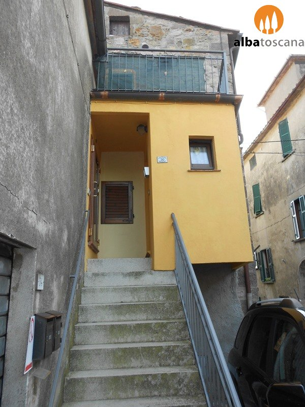 Apartment in the centre of Roccatederighi