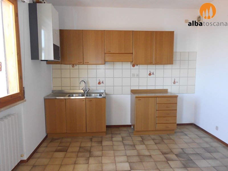 2 bedroom apartment with garage