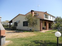 Country house for sale 10 km away from Grosseto